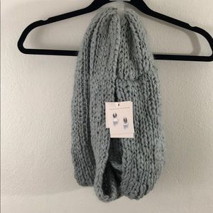 NWT Lauren Conrad loop infinity WINTER scarf 🧣 OS